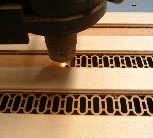 Лазер для резки фанеры