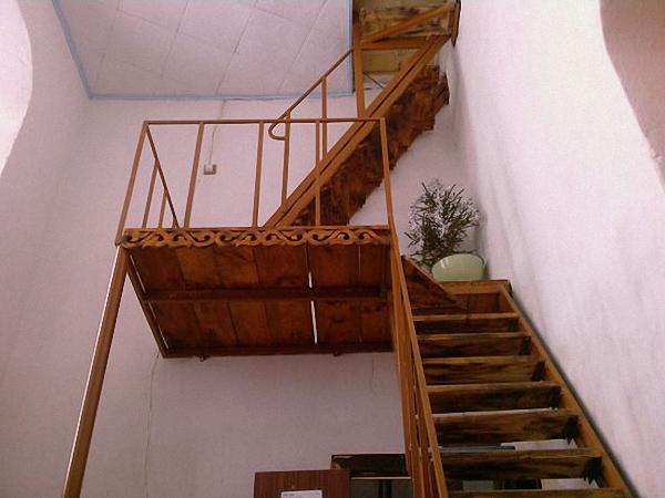 Как сделать лестницу на чердак из дома 228