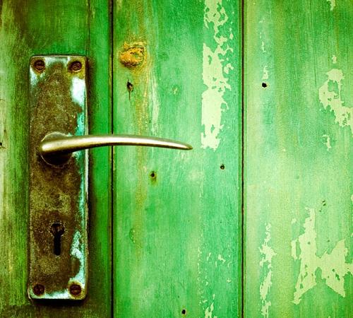 Двери из массива купить в СПб, межкомнатные двери из