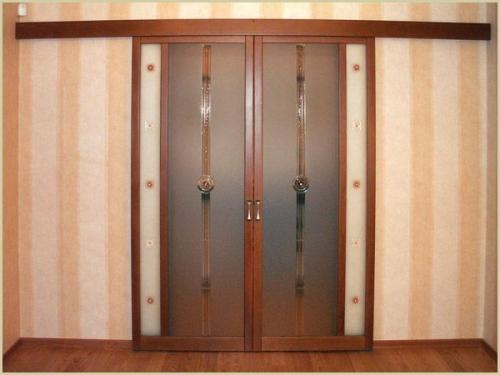 Как сделать раздвижную межкомнатную дверь на рельсе