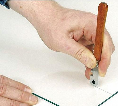 Чем можно разрезать стекло без стеклореза