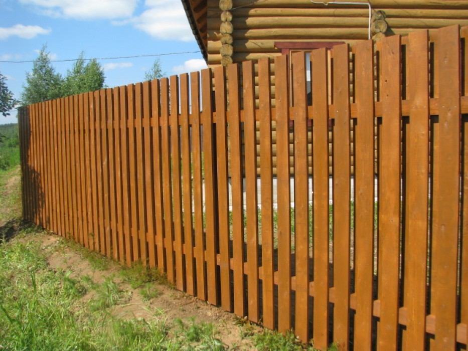 Забор для дачи своими руками из деревянного штакетника