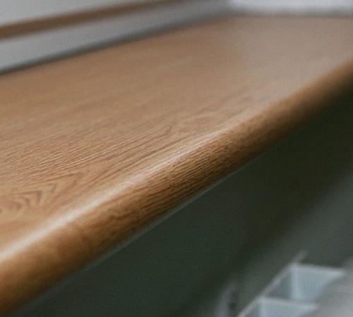 подоконники в деревянном доме фото