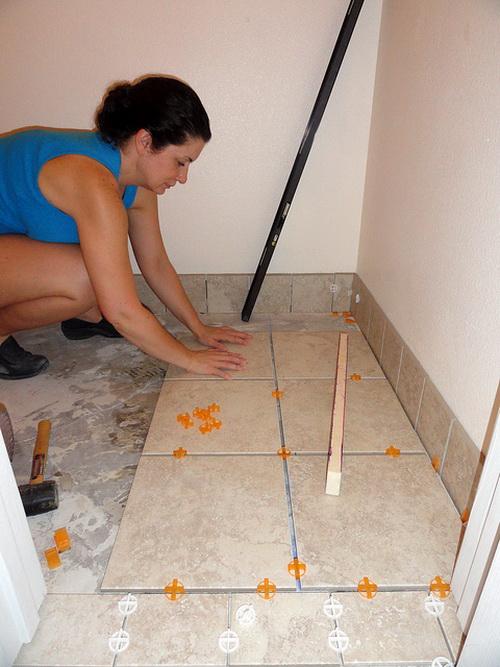 Ремонт в ванной комнате своими руками видео плиткой
