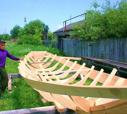 Строим лодку  из дерева