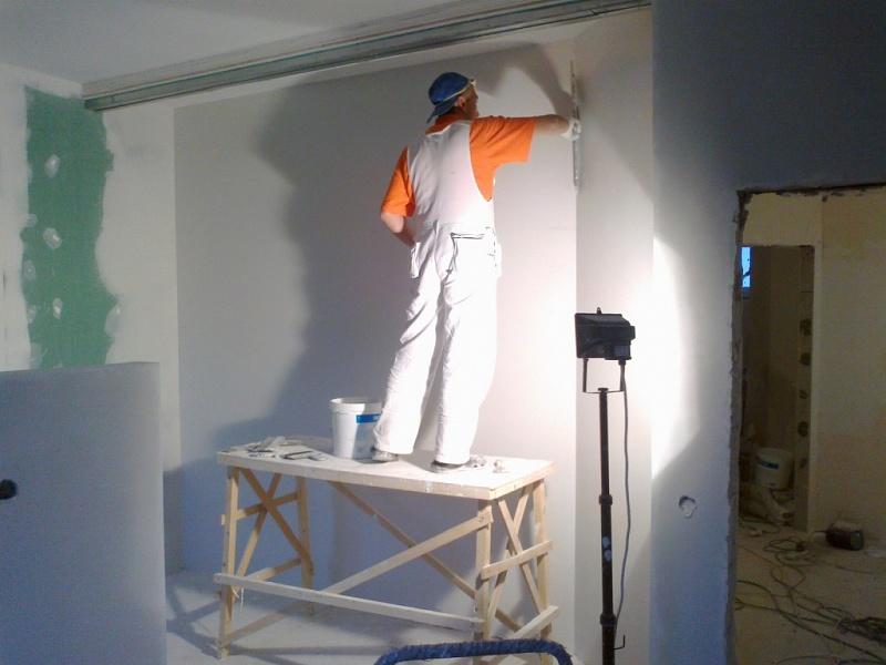 Штукатурка стены под покраску своими руками видео