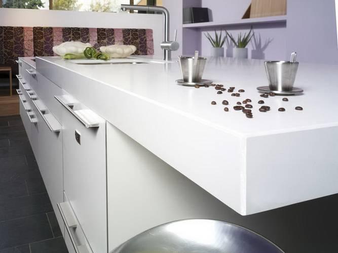 Столешница для кухни лучшие материалы столешница и мойка из искусственного камня фото