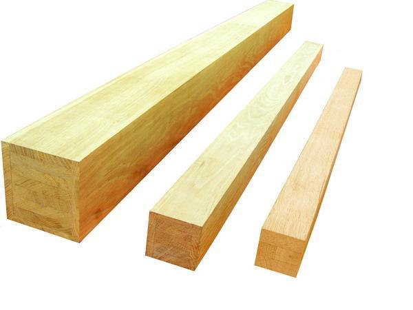 Деревянные брусы для крепления потолка