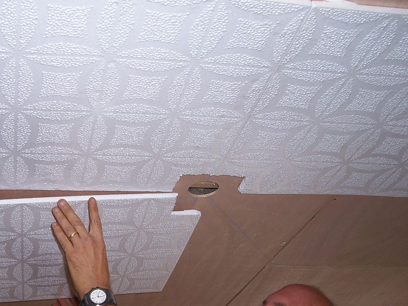 Comment faire un plafond suspendu en dalles pau for Comment faire un plafond suspendu