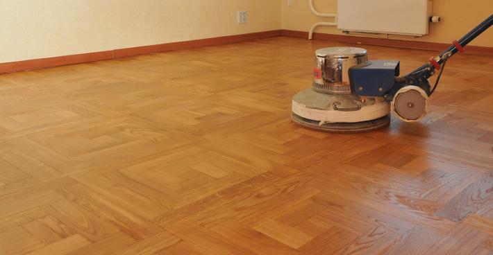 Comment poser un plancher bois exterieur devis en ligne for Poncer parquet flottant