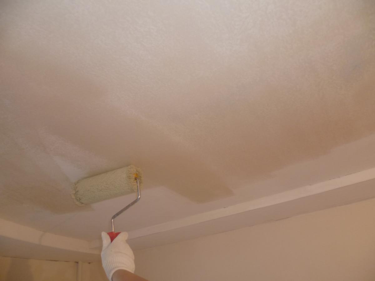 Делаем ремонт потолка своими руками