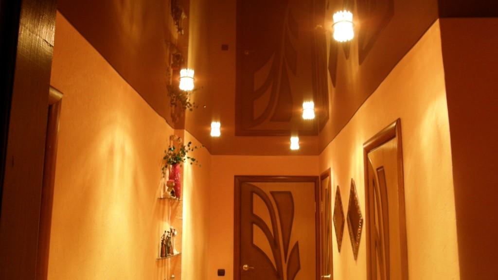 подвесные потолки фото в коридоре
