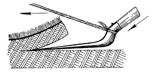 Как убрать старый газон - срезаем лопатой