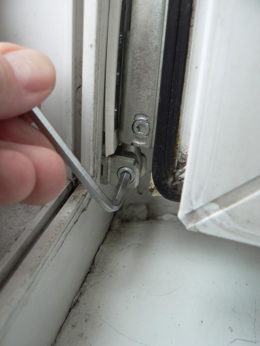 Как установить пластиковую дверь на балкон своими руками 70