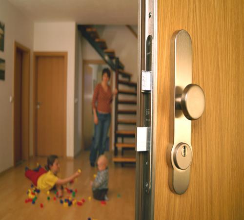 Шумоизоляция металлической двери своими руками
