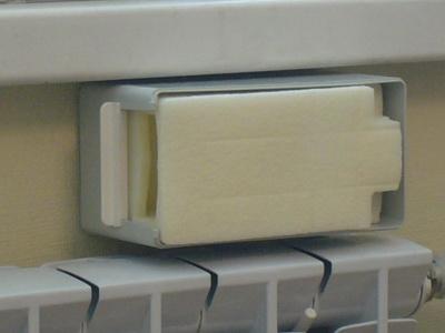 Монтаж приточного клапана - вставляем шумопоглотитель