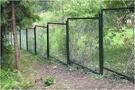 Забор из сетки Рабица на участке под уклоном