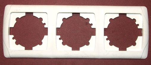 31812197d0a18a Можно сказать, что розетки установлены и готовы к использованию. Чтобы  удостовериться в этом, необходимо проверить их работоспособность, включив  автомат.