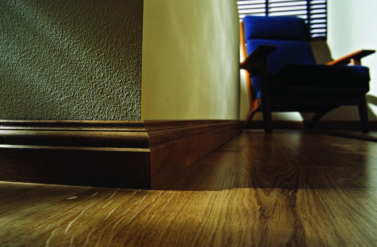 Фото плинтуса пола в интерьере