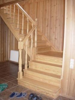 Деревянная лестница своими руками: фото, видео изготовления 14