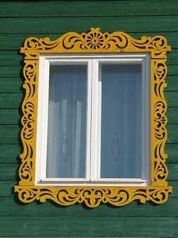 Простой наличник на окно своими руками фото 39