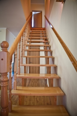 Как сделать лестницу в коттедже, Строительный портал