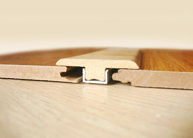 pour ma famille pose plinthe parquet flottant quick step largo. Black Bedroom Furniture Sets. Home Design Ideas