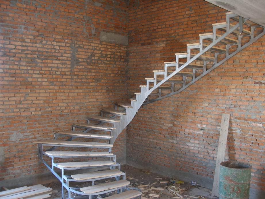 Лестница из металла и бетона своими руками 51