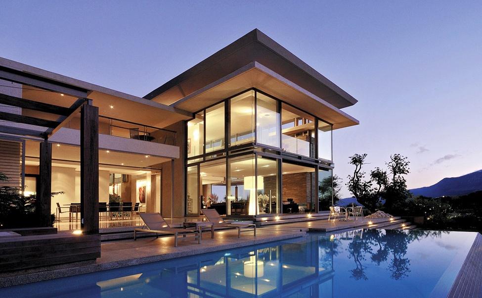 Поэтажный план элитного коттеджа с бассейном
