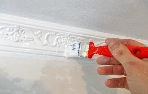 Как клеить потолочный плинтус из пвх