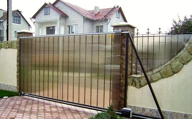 Забор из поликарбоната для дачи своими руками