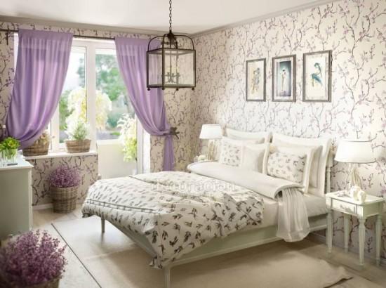 Интерьер спальни фиолетовая белая 195