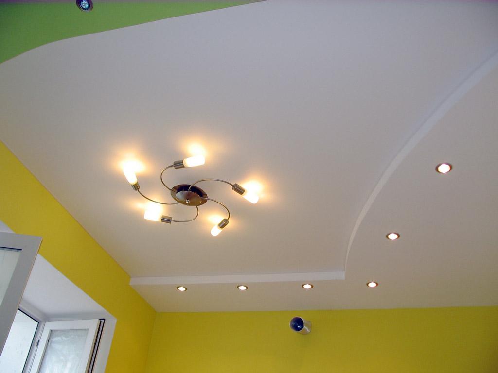 Покрасить потолок своими руками фото