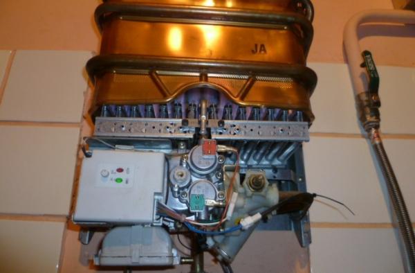 Что делать если течет теплообменник на газовой колонке Кожухотрубный испаритель Alfa Laval DES 240 Пушкин