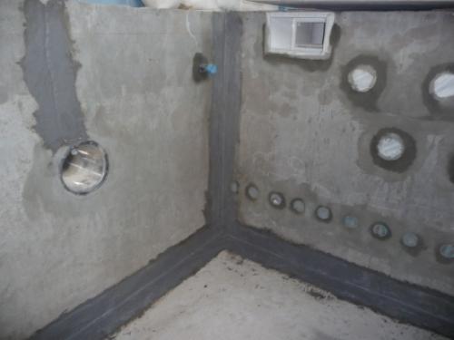 Заделка швов между ванной и плиткой герметиком видео