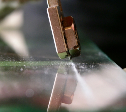 Как резать стеклорезом
