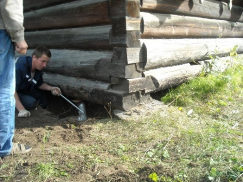 Подъем дома со столбчатого фундамента