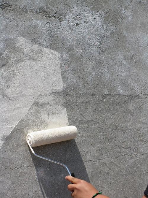 Грунтовка стен перед штукатурными работами