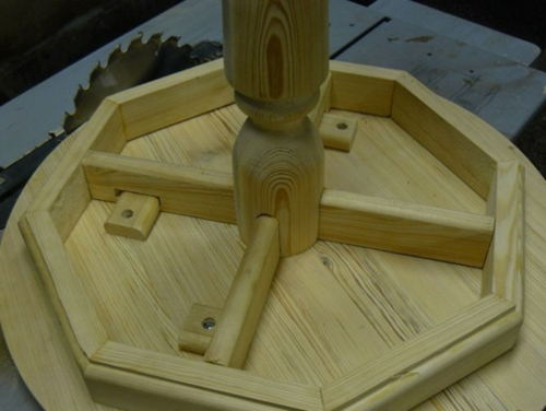 Деревянный кофейный столик - сборка