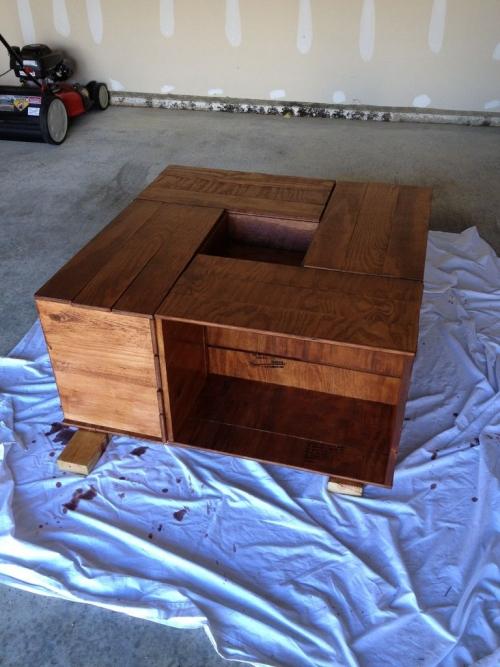 Кофейный столик «ящики» из фанеры - вскрытие лаком