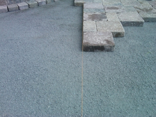 Контроль правильности укладки тротуарной плитки