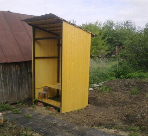 Туалет на даче своими руками - обшивка каркаса