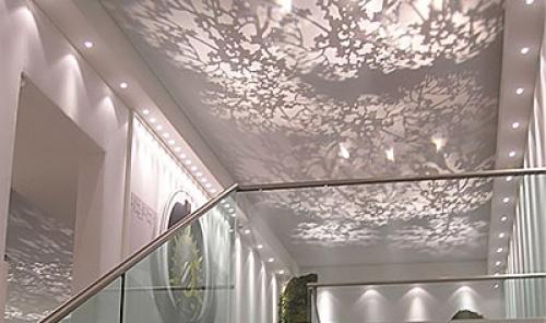 Полупрозрачные тканевые потолки