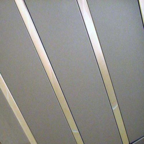 Алюминиевые панели для реечных потолков