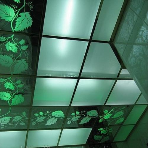 Потолочные панели из матового стекла