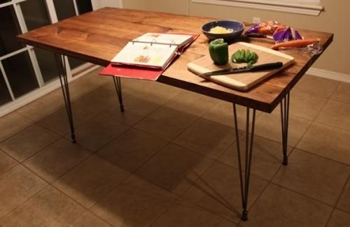 Обеденный кухонный стол на 4 ножках