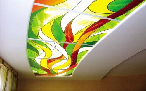 Витражный стеклянный потолок