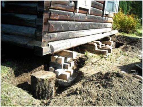 Замена венца деревянного дома - опоры под дом