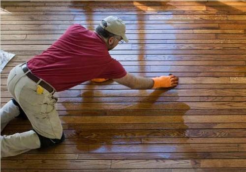 Как покрыть деревянный пол лаком, Строительный портал