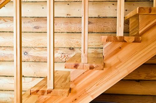 Деревянные лестница своими руками видео